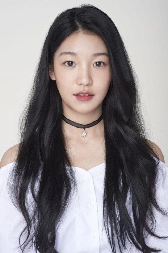 Baek Hyeonju