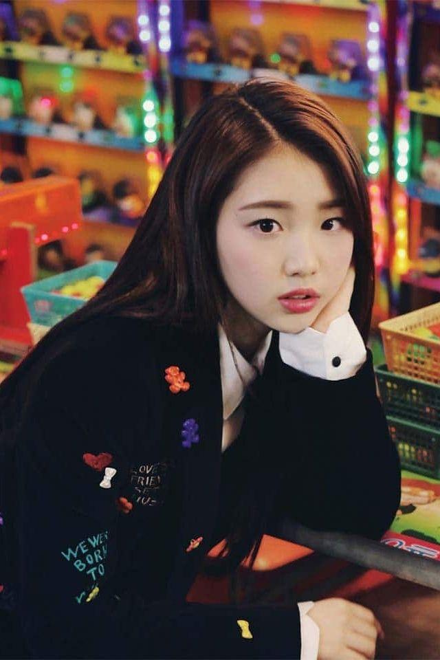 LOONA - YeoJin (여진)