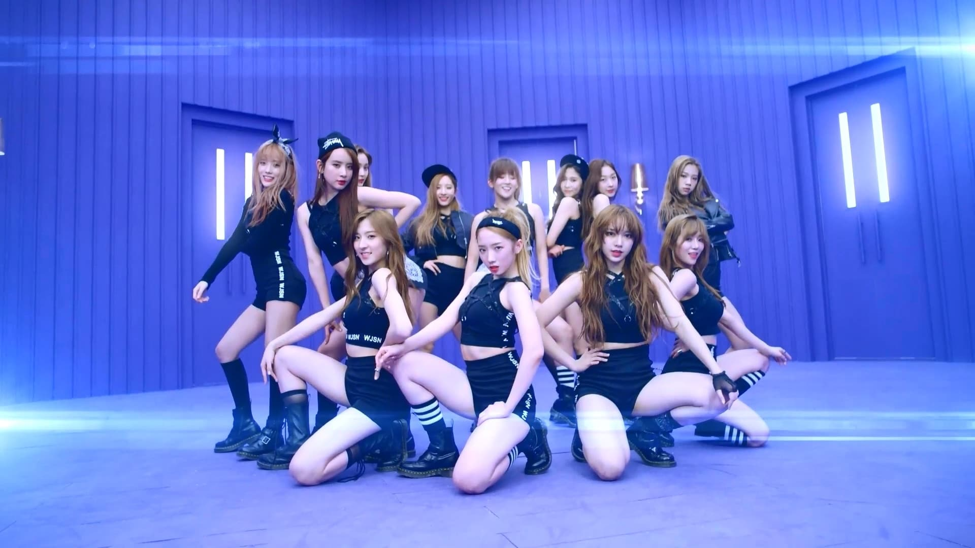 WJSN / Cosmic Girls
